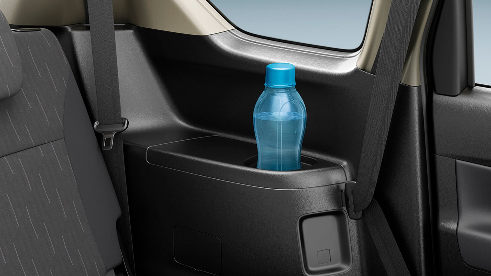 Suzuki ERTIGA ช่องวางเครื่องดื่ม